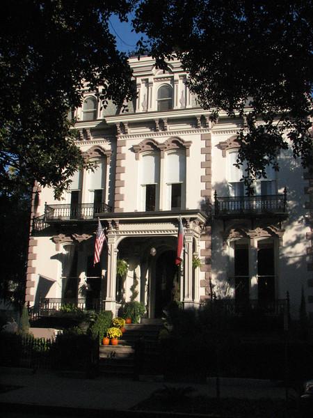 old mansions in Savannah